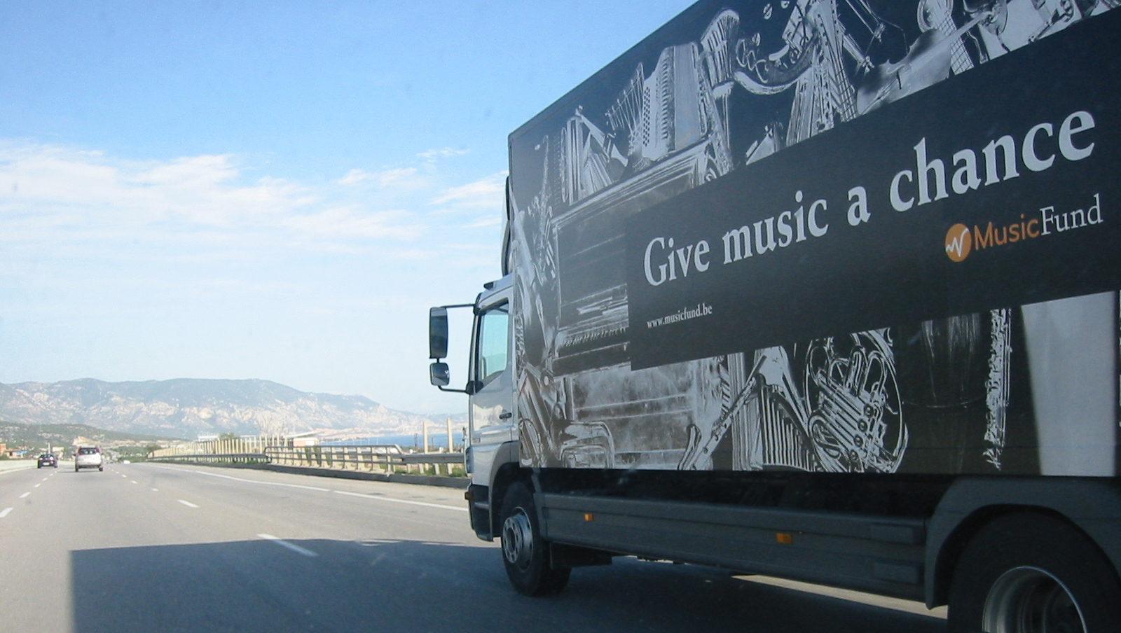 Camion d'instruments vers la Palestine